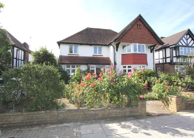 7 Bedrooms Detached House for sale in Penshurst Gardens, Edgware, Greater London. HA8 9TP