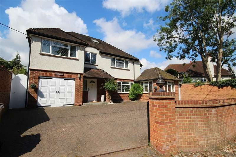 4 Bedrooms Detached House for sale in Blakes Lane, Hare Hatch, RG10