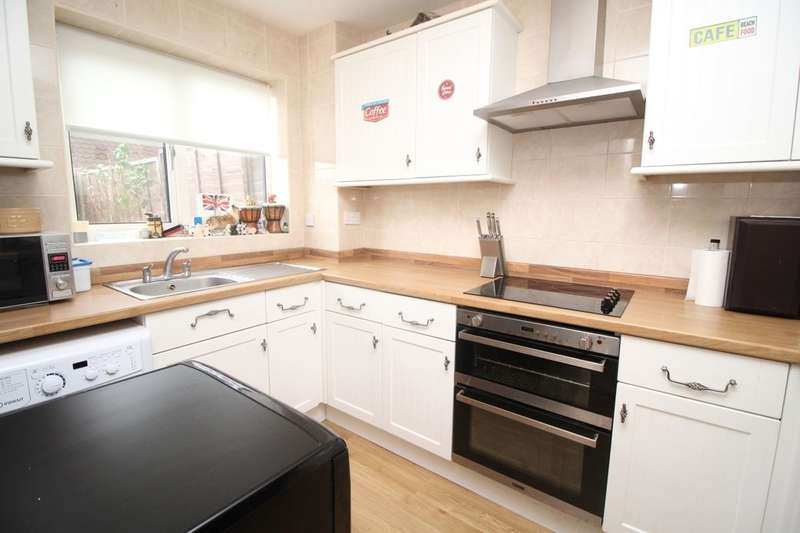3 Bedrooms Property for sale in The Causeway, Bognor Regis, PO21