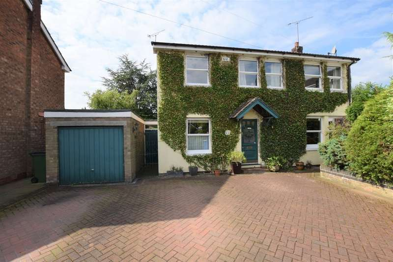 4 Bedrooms Detached House for sale in Hardy Drive, Bramhall