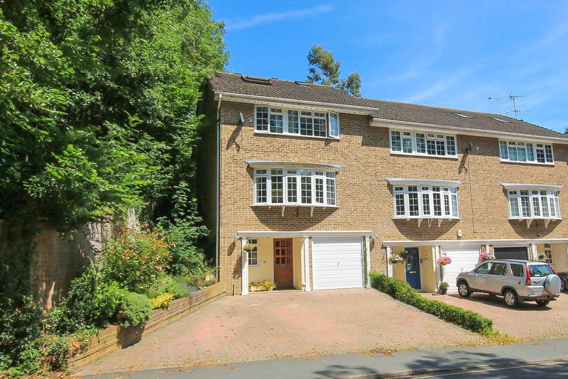 5 Bedrooms Town House for sale in Gardenwood Road, East Grinstead