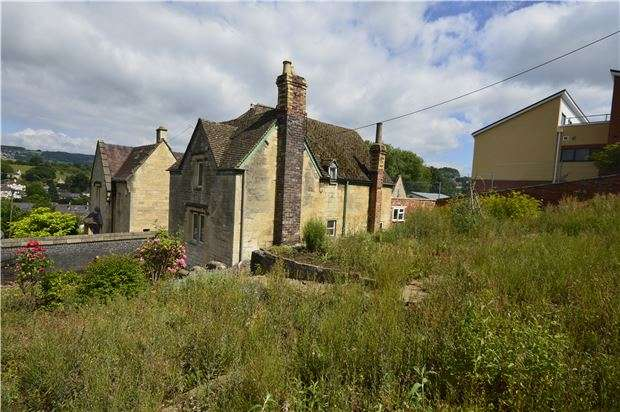 2 Bedrooms Detached House for sale in Ryeleaze Road, Stroud, Gloucestershire, GL5 1JR