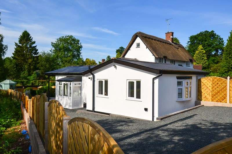 2 Bedrooms Detached Bungalow for sale in Bittell Road, Barnt Green