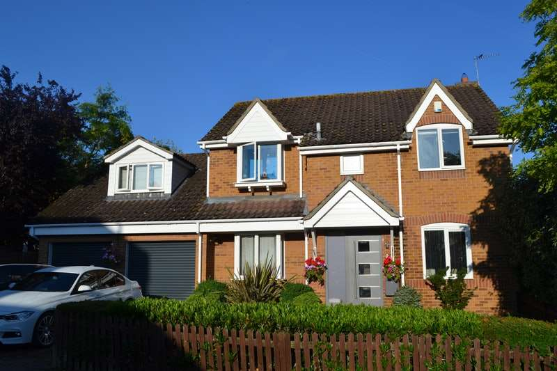 5 Bedrooms Detached House for sale in Grantley Close, Colchester, Essex, CO6