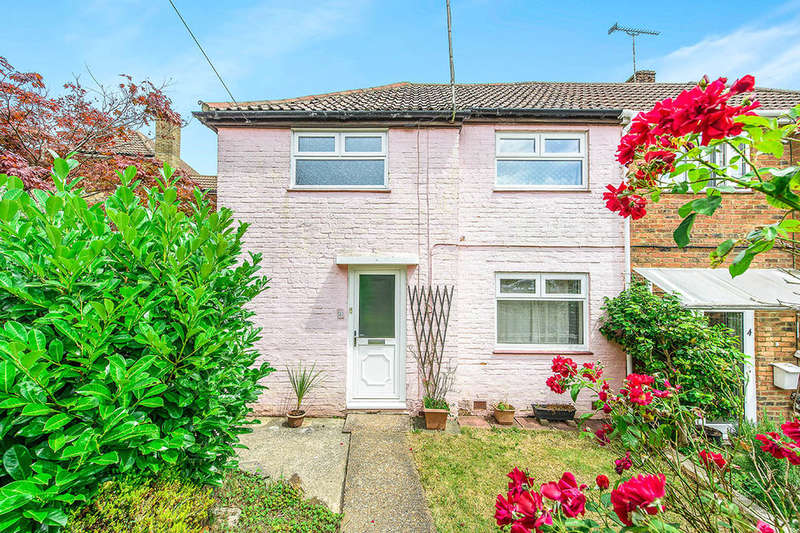 2 Bedrooms Semi Detached House for sale in Wealden Close, Crowborough, TN6