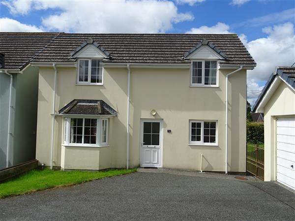 3 Bedrooms Detached House for sale in 5 The Pound