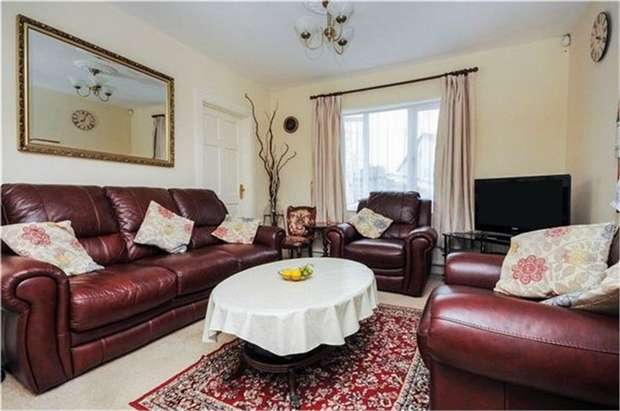 3 Bedrooms Detached Bungalow for sale in Gilroy Way, Orpington, Kent
