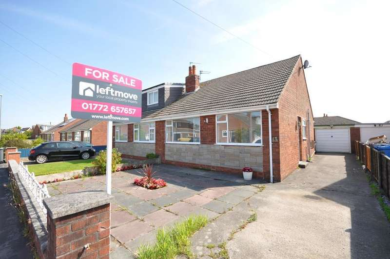 2 Bedrooms Semi Detached Bungalow for sale in Hodgson Avenue, Freckleton, Preston, Lancashire, PR4 1SQ