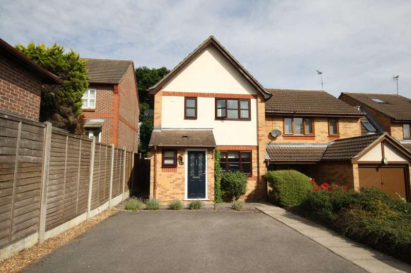 2 Bedrooms End Of Terrace House for sale in Wheatear Place, Mill Grange, Billericay