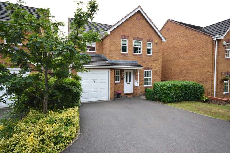 4 Bedrooms Detached House for sale in Wright Way, Bristol, Somerset, BS16