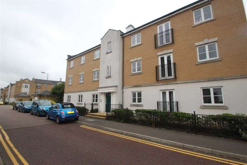 2 Bedrooms Apartment Flat for sale in Propelair Way, Colchester