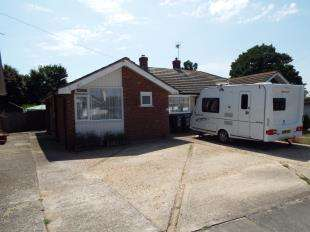2 Bedrooms Bungalow for sale in Sherwood Gardens, Ramsgate, Kent