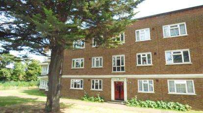 1 Bedroom Flat for sale in Barking