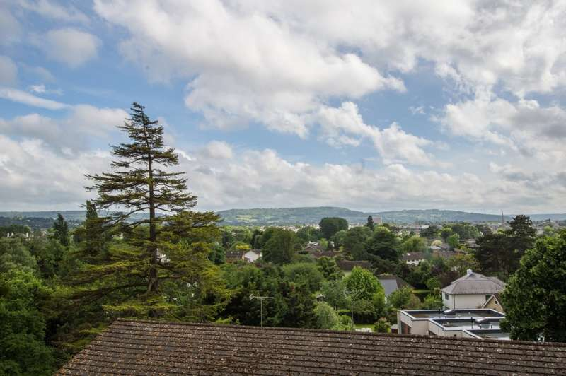 2 Bedrooms Flat for sale in Evesham Road, Cheltenham GL52 3JT