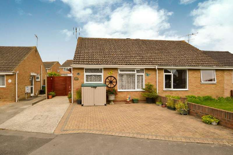 2 Bedrooms Bungalow for sale in Heron Close, North Bersted, Bognor Regis, West Sussex, PO22 9NA
