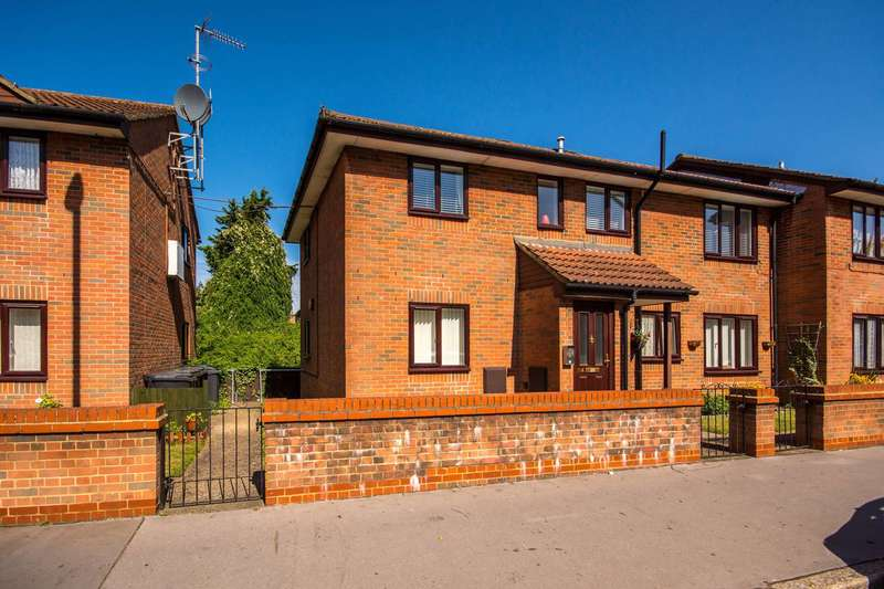2 Bedrooms Flat for sale in Epsom Road, Croydon, CR0