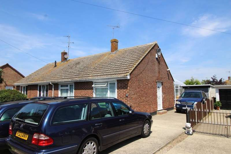 2 Bedrooms Semi Detached Bungalow for sale in Foxley Road, Queenborough, ME11