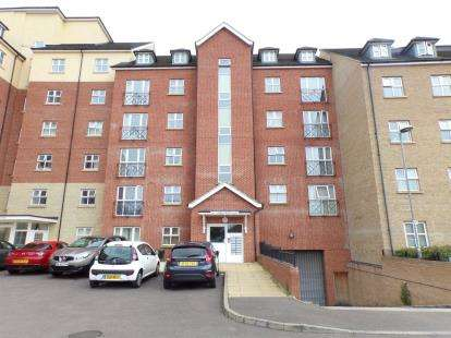 House for sale in Wheelwright House, Palgrave Road, Bedford, Bedfordshire