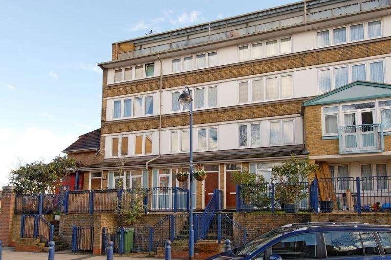 4 Bedrooms Flat for sale in Pentridge Street, London SE15