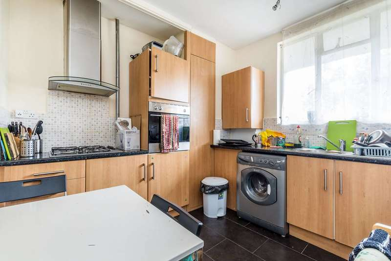 2 Bedrooms Flat for sale in Exeter House, Bayswater, W2