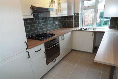 3 Bedrooms Flat for rent in Boscombe Spa Road, Boscombe