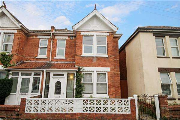 4 Bedrooms Semi Detached House for rent in Scotter Road, Bournemouth