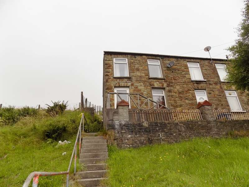 3 Bedrooms End Of Terrace House for sale in Tonna Road, Maesteg, Bridgend. CF34 0RY