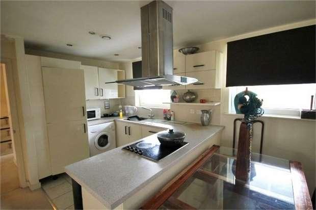 2 Bedrooms Flat for rent in Fleet Street, Brighton, East Sussex