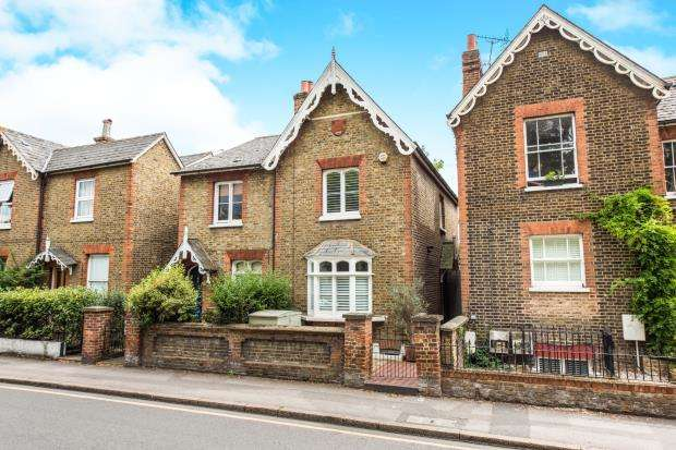 3 Bedrooms House for sale in Kingston Upon Thames, Surrey, United Kingsdom
