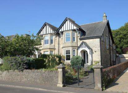 4 Bedrooms Semi Detached House for sale in Snowdon Terrace, Seamill