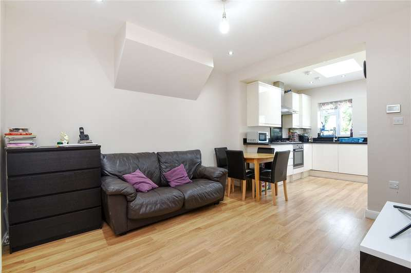 2 Bedrooms Maisonette Flat for sale in Francis Road, Harrow, Middlesex, HA1