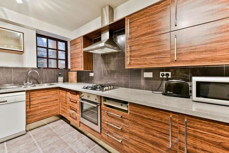 3 Bedrooms House for sale in Rope Street, London SE16