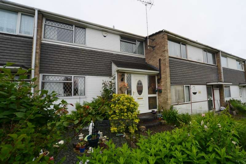 3 Bedrooms Terraced House for sale in Gray Close, Poole, Dorset, BH17