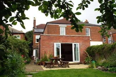 4 Bedrooms House for rent in Furzedown Road, Highfield