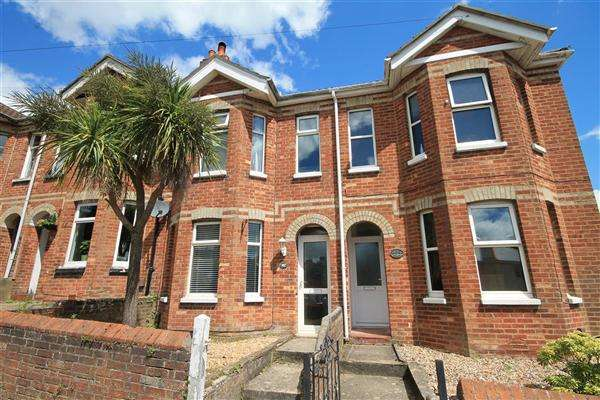 2 Bedrooms Terraced House for sale in Layton Road, Poole