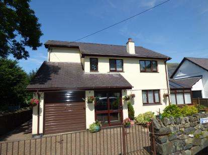 4 Bedrooms Detached House for sale in Church Road, Llanberis, Caernarfon, Gwynedd, LL55