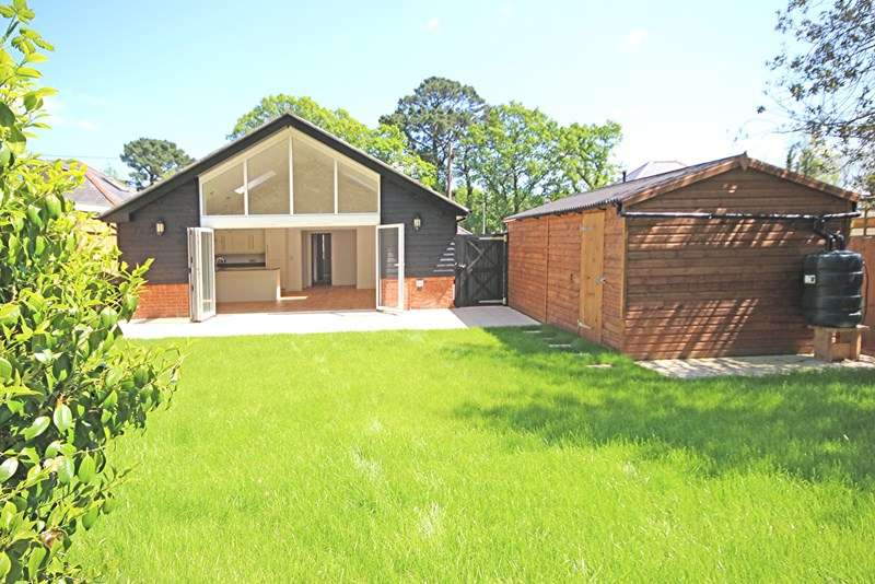 3 Bedrooms Detached Bungalow for sale in Copse Road, Burley, Ringwood