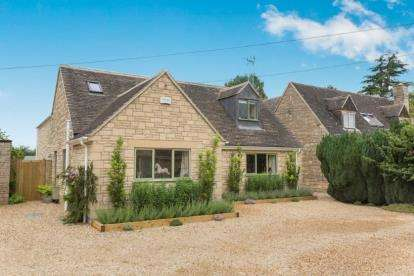 4 Bedrooms Detached House for sale in Rissington Road, Bourton On The Water, Cheltenham