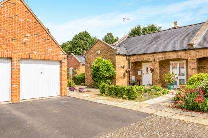 Bungalow for sale in Highlands, Lower Tadmarton, Banbury, Oxfordshire