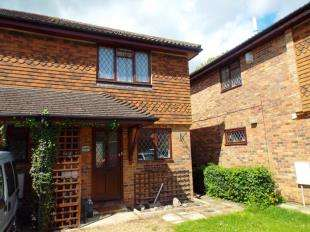 2 Bedrooms Semi Detached House for sale in Kingsmead, Biggin Hill, Westerham, Kent