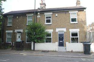 3 Bedrooms Semi Detached House for sale in Dermody Gardens, Hither Green, Lewisham, London