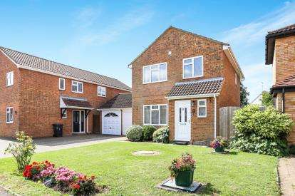 3 Bedrooms Detached House for sale in Powis Mews, Flitwick, Bedford, Bedfordshire
