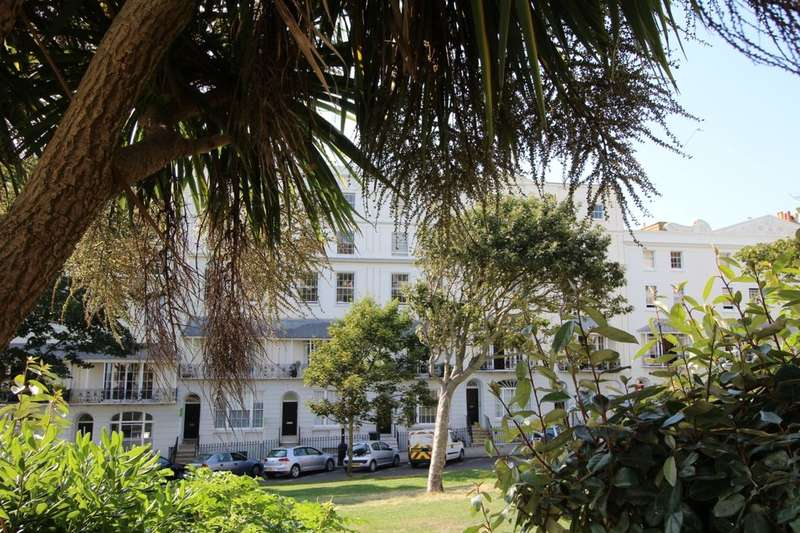 1 Bedroom Flat for sale in Wellington Square, Hastings, TN34