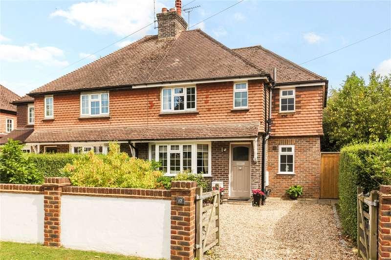 3 Bedrooms Semi Detached House for sale in Kings Road, Cranleigh, Surrey, GU6