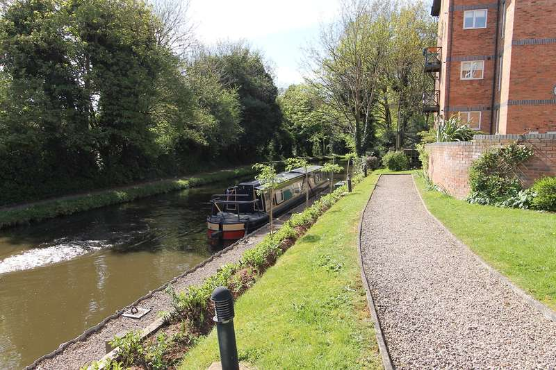 3 Bedrooms Town House for sale in Round Hill Wharf, Kidderminster, DY11
