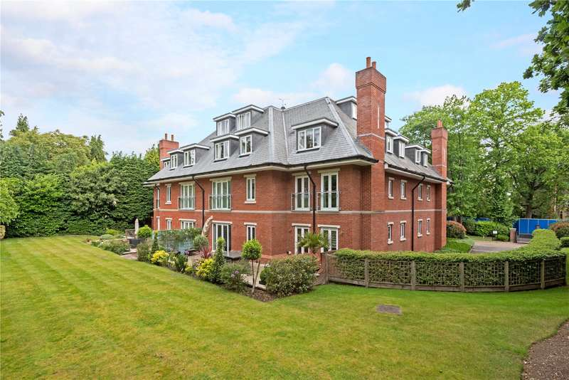 2 Bedrooms Flat for sale in Gower House, Gower Road, Weybridge, Surrey, KT13