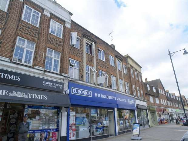 3 Bedrooms Maisonette Flat for sale in Stoneleigh Broadway, Stoneleigh