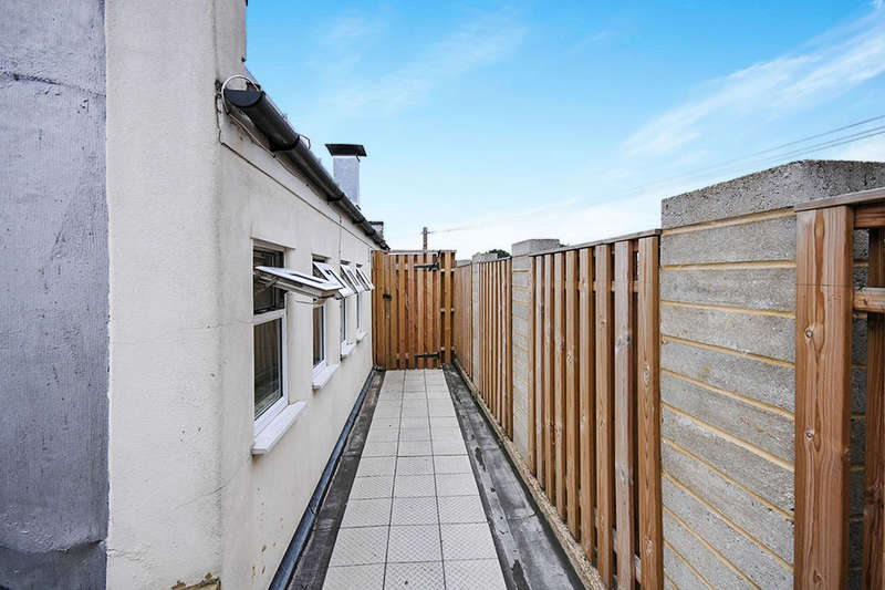 Flat for sale in Croydon Road, Beckenham, BR3