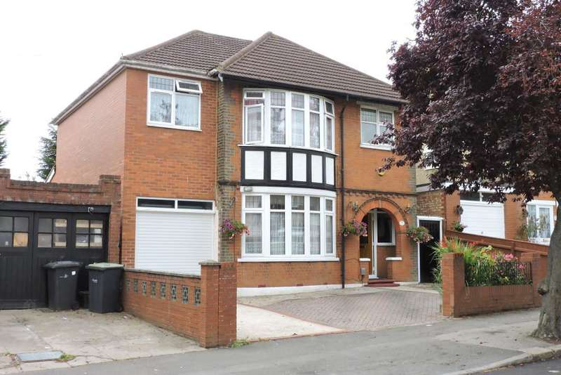 5 Bedrooms Detached House for sale in Alexandra Avenue, Luton, Bedfordshire, LU3 1HE