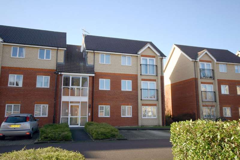 2 Bedrooms Flat for sale in Braeburn Walk, Royston, SG8